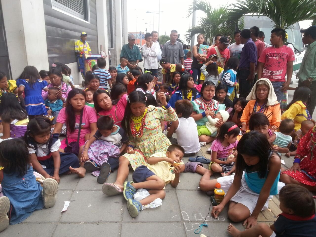 Los Embera protestan en contra del proyecto Ciudad Paraiso