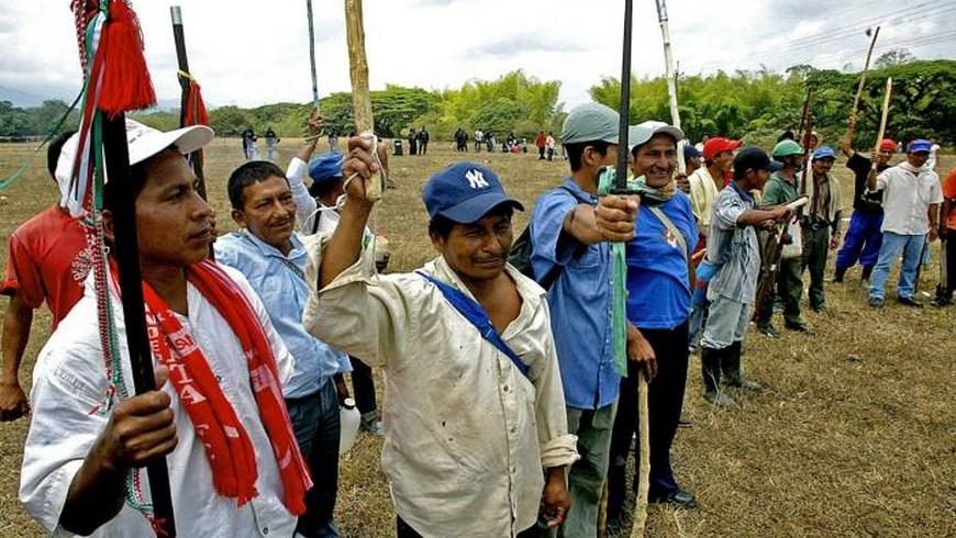 Indígenas detienen a ocho guerrilleros por doble homicidio