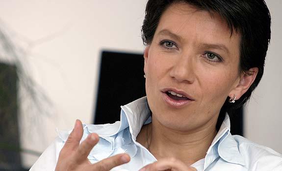 Senadora Claudia López confía en la reanudación de los diálogos de paz