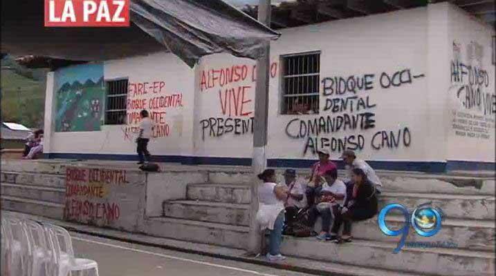 Las Farc llenaron de graffittis el colegio de Corinto, Cauca