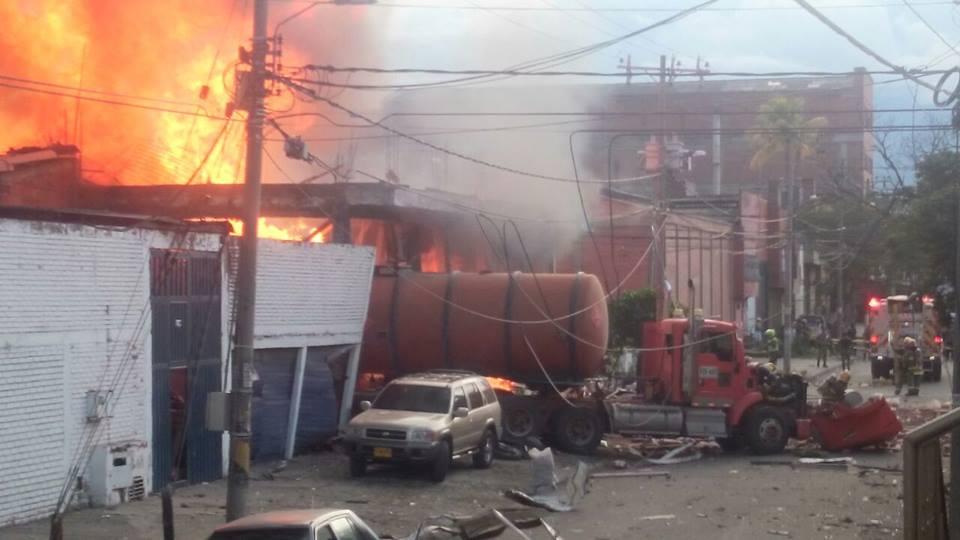 Explosión en fábrica de aceite deja 6 muertos y 12 heridos