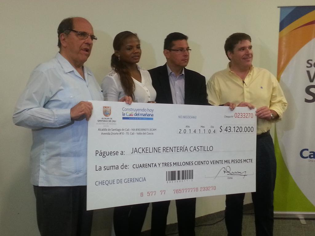 Alcaldía de Cali entrega subsidio de vivienda a Jackeline Rentería