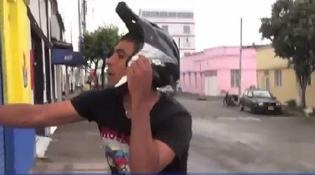 Vea aquí el video del atraco a una periodista en Bucaramanga