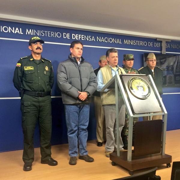 Presidente Santos suspende proceso de paz con las FARC