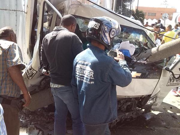 Accidente vehícular en el norte de Cali deja cuatro heridos de consideración