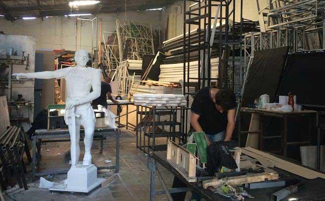 Así se preparan las carrozas para la Feria de Cali 2014