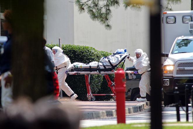 Enfermero que tendría ébola llegó a Estados Unidos