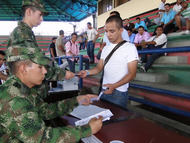 A un paso eliminación de libreta militar como requisito para graduarse
