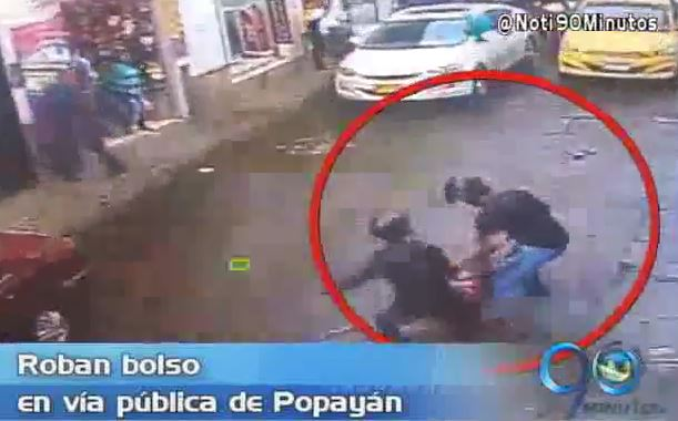 Panorama regional: Brutal atraco a una mujer en Popayán