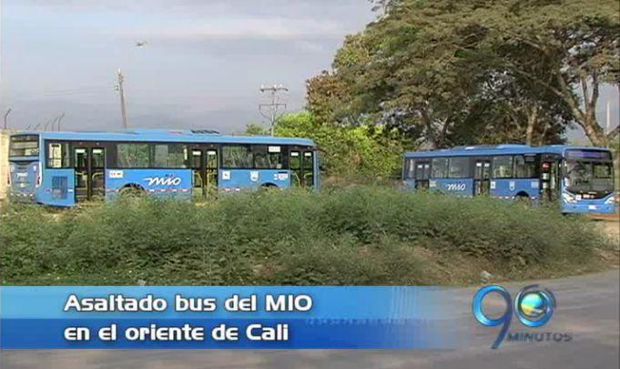 Nuevo asalto a los pasajeros de un bus del Mío en el oriente de Cali