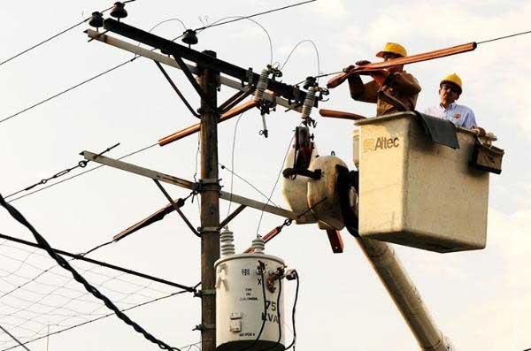 Se restablece el servicio de energía en gran parte de la ciudad