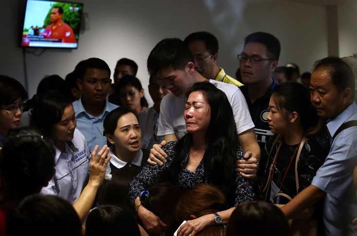 Ya son 30 los cuerpos recuperados en el accidente del avión de Indonesia