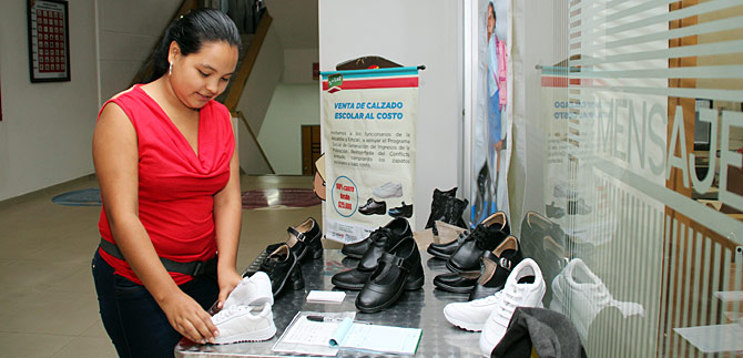 Precios bajos en 'Tienda Escolar Social' presente en el CAM y Centro Comercial Rio Cauca