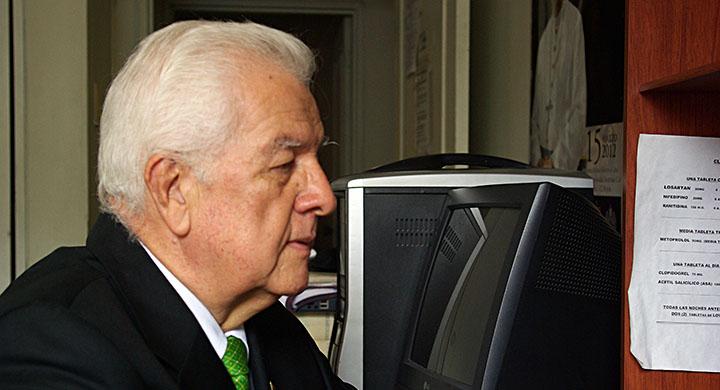 A sus 73  años Claudio Borrero sigue luchando por su pensión.