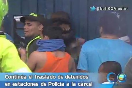 Continúa el traslado de detenidos en estaciones de Policía a la cárcel