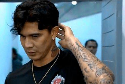 Marco Lazaga, jugador del Cúcuta que hizo gol con la mano recibe apoyo