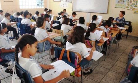 Estudiantes caleños regresaron a clases en el comienzo del año lectivo