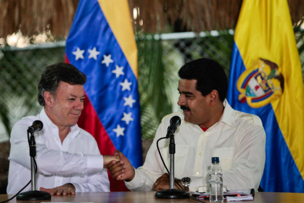 Entre polémica, Santos y Maduro se reunirán hoy en Costa Rica