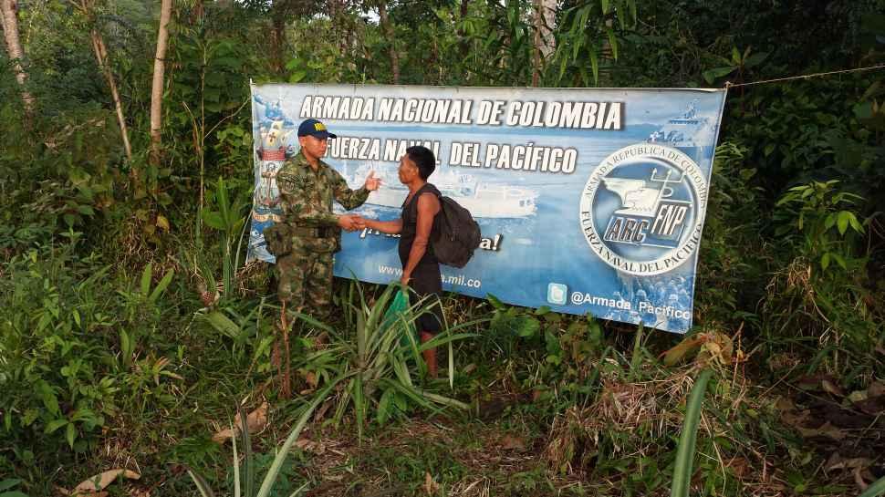 Miembros de la comunidad indígena Embera abandonan el ELN