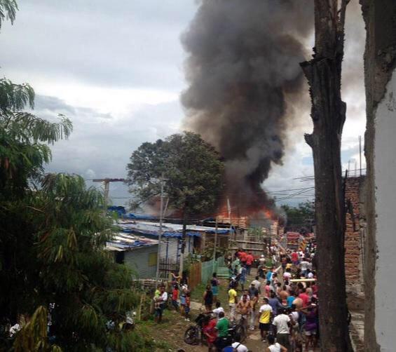 Investigan causas del incendio en el barrio Comuneros