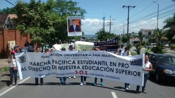 Estudiantes de la San Martín marcharon en busca de respuestas