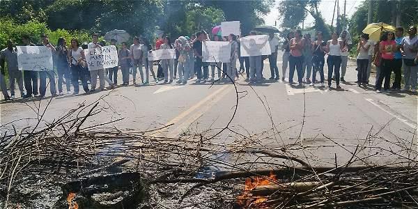 U. San Martín bloqueo vía para exigir reinicio de clases