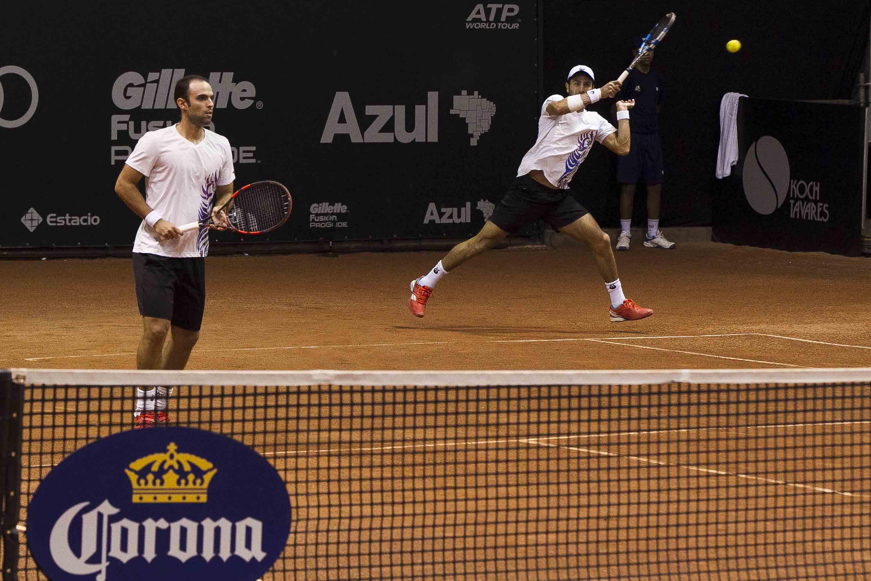 Cabal y Farah a las semifinales del torneo de dobles del ATP 250