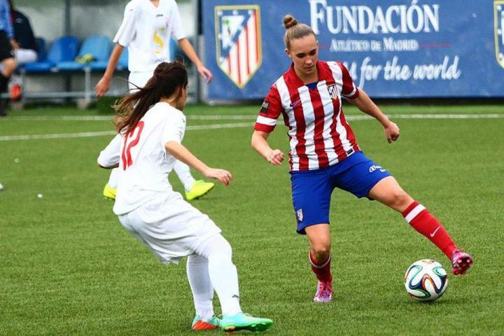 Nicole Regnier marcó un doblete en la victoria del Atlético