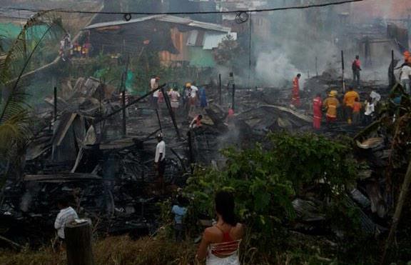 Incendio en Buenaventura dejó cerca de 20 familias damnificadas
