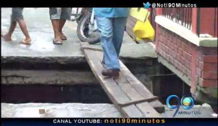Caída de puente en Tumaco tiene incomunicadas a más de 450 personas