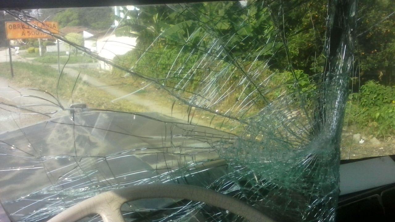 Continúan ataques a camioneros que no se unen al paro