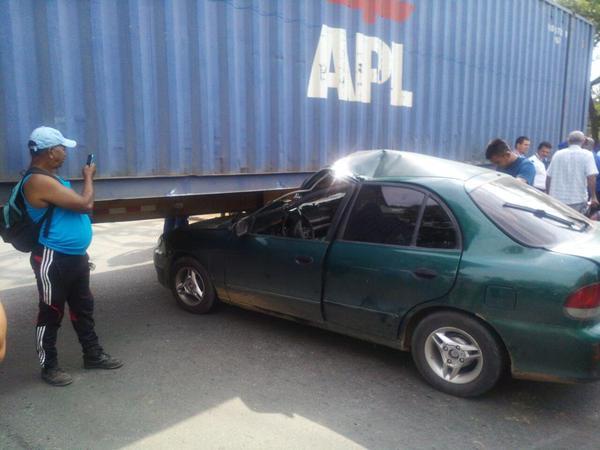 Accidente vehícular provocó caos en la vía Cali-Yumbo
