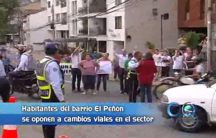 Habitantes de El Peñón siguen protestando por cambios viales