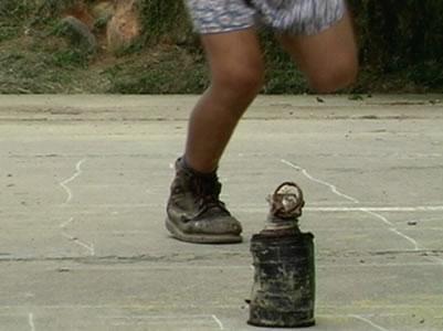 Mueren dos niños al manipular artefacto explosivo en Tumaco