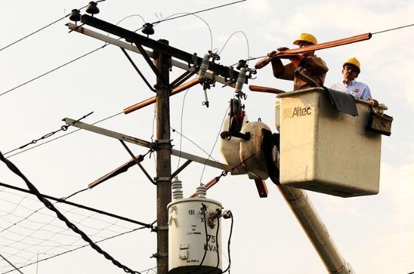 Tarifa de energía bajará 30 por ciento desde abril