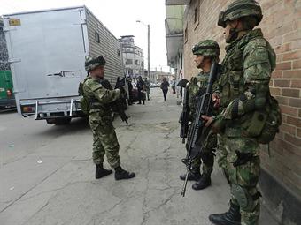 Detienen a siete suboficiales del Ejército por tráfico de armas