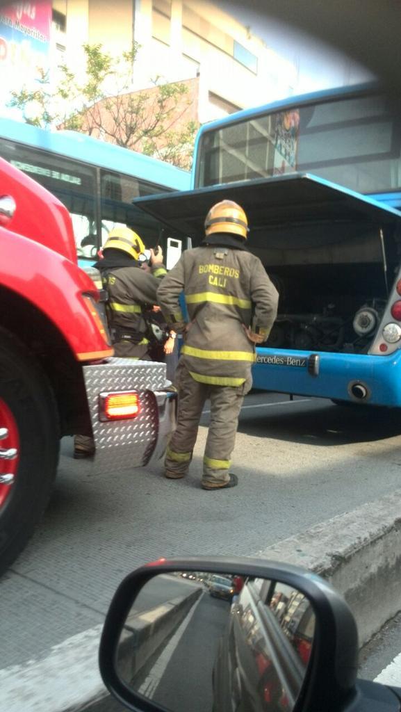 Una mujer lesionada dejó emanación de humo en bus del Mío