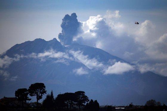 El volcán Calbuco en Chile entra en erupción por tercera vez