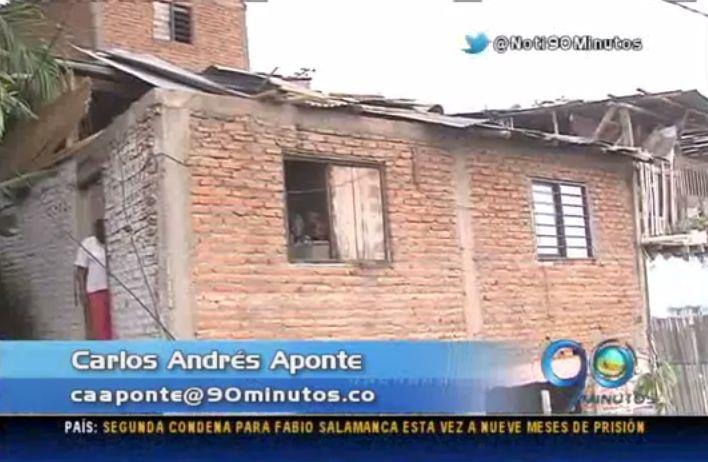 Veinte viviendas destechadas en Siloé tras vendaval de ayer