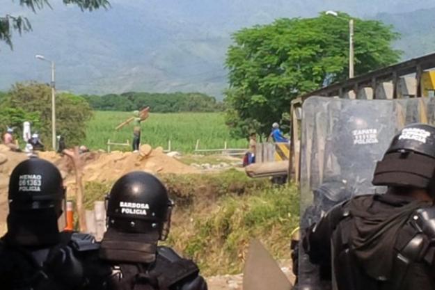 Muere indígena en enfrentamientos con el Esmad en Caloto