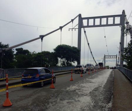 A paso lento se mueve el puente de Juanchito
