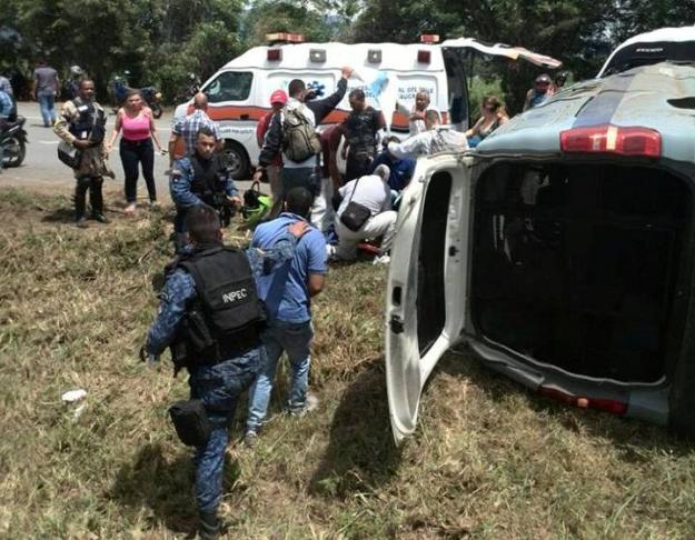 Doce heridos por accidente de camión del Inpec en vía a Jamundí