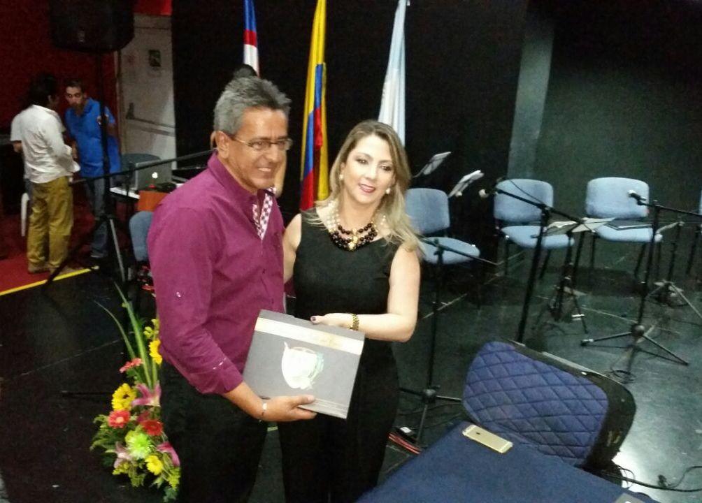 Los Autores Vallecaucanos fueron premiados por la Gobernación