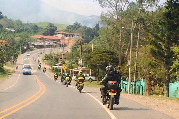 Cuatro personas heridas deja atentado en carretera del Cauca