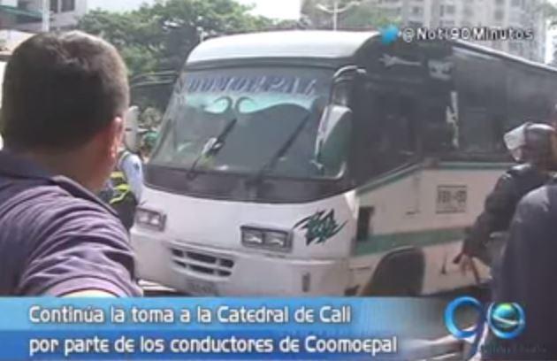 Conductores de Coomoepal completan dos días de la toma a la Catedral de Cali