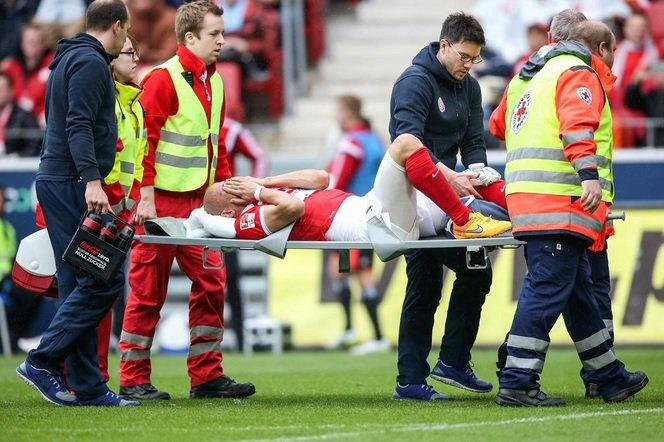 Elkin Soto el mediocampista colombiano, sufrió una grave lesión en su rodilla
