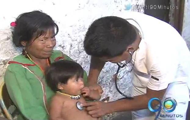 Indígena Embera se queda en Cali para terminar sus estudios