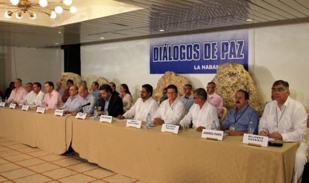 En medio del fuego, retoman hoy los diálogos en La Habana
