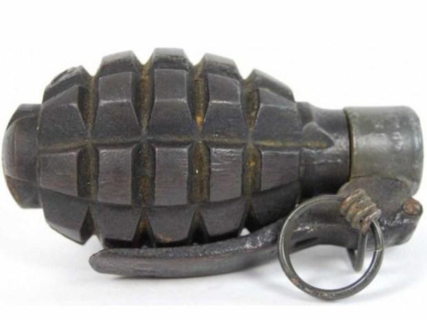 Una menor perdió un brazo por manipular una granada abandonada en Corinto