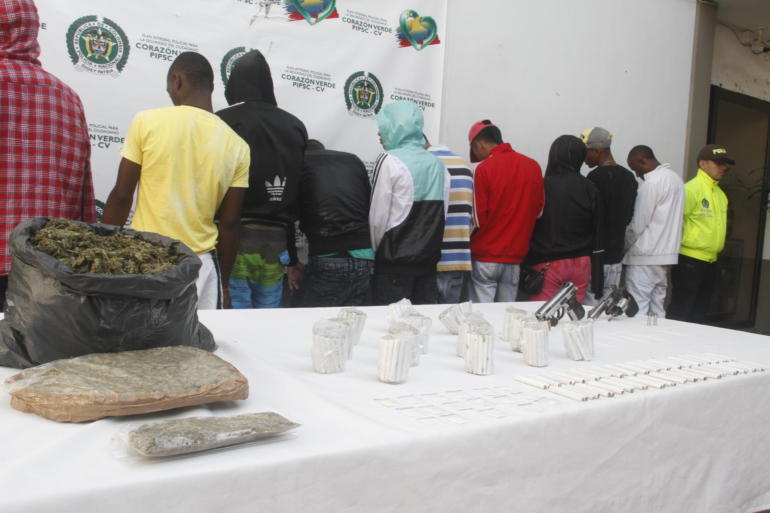 La Policía capturó a 14 integrantes de la banda 'Los Hechiceros'